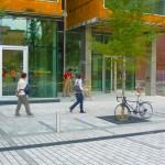Trottoirs / Trottoirs devant la Maison du développement durable de Montréal