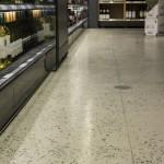 Plancher SAQ / Plancher dans une succursale de la SAQ, avec intégration d'agrégat de verre et de 20% de Verrox.